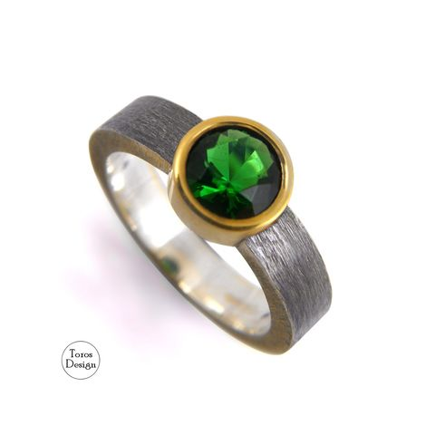 SILVER,SOLITAIRE,RING,With,Emerald,CUBIC,ZIRCONIA,Silver Solitaire Ring With Emerald Cubic Zirconia, unique handmade jewellery