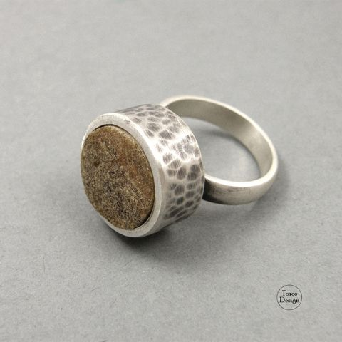 Hammered,SILVER,RING,With,Rough,AMBER,Hammered Silver Ring, amber ring, bespoke silver jewellery