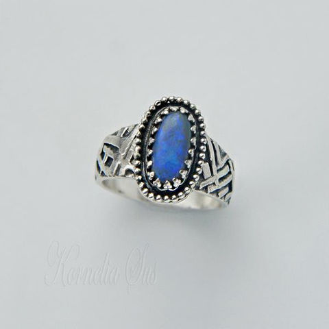 The,Sky,At,the,Feet,|,SILVER,&,Australian,OPAL,RING,Silver Australian Opal Ring, luxury jewellery store