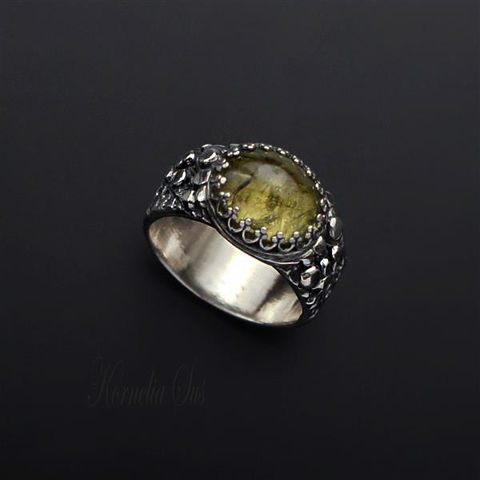 Beyond,The,Trees,|,SILVER,Grossular,GARNET,RING,Silver Garnet Ring, Grossular garnet ring, handmade jewellery store