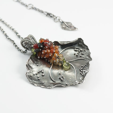 Autumn,Leaf,|,SILVER,GEMSTONE,PENDANT,CLUSTER,NECKLACE,Silver Gemstone Necklace, leaf pendant, luxury jewellery store