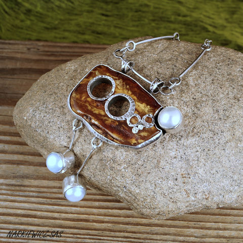 HOLES,AND,AMBERS,SILVER,Pendant,Necklace,Amber Pendant, pearl necklace, silver jewellery store UK