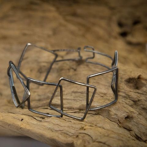 OVERLAPPING,SQUARE,SILVER,BRACELET,Silver Square Bracelet, oxidised bracelet, jewellery online store