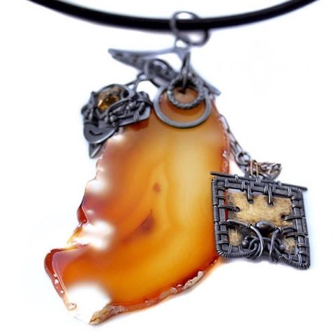 Caos,De,Oro,|,SILVER,Pendant,with,Agate,And,Brass,Silver Pendant With Agate, Agate silver pendant necklace, silver jewellery