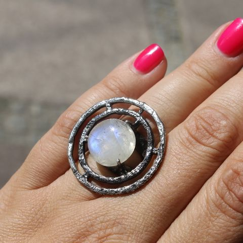 Silver,Circle,Ring,With,Moonstone,Circle silver ring, moonstone ring, bohemian style