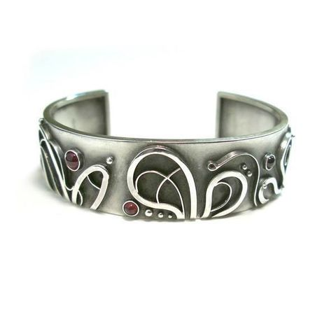 Spring,|,SILVER,CUFF,BRACELET,With,GARNET,silver cuff bracelet, garnet jewellery, handmade jewellery store London