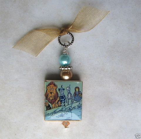 Wizard,of,Oz,Dorthy,&,Friends,Scrabble,Necklace,Jewelry, Pendant, Art, altered art, wizard of oz, dorthy, toto, tin man, lion, charm necklace, scrabble tile, silver ball chain, Designs by Chastity, collectable, collector