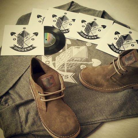 DIGGERS,KHAKI,SUEDE,BOOTS,Boots plus Sweatshirt plus Special Diggers 45 Breakbeat