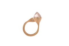 H20,Rose,Quartz,on,Gold,-,Ring,Militza-Ortiz, Militza Ortiz, jewellery, jewelry, accessories, Handmade Jewellery, fluid, Rose Gold, Rose Quartz, Sterling Silver, Ring, Stacking Rings, contemporary jewellery
