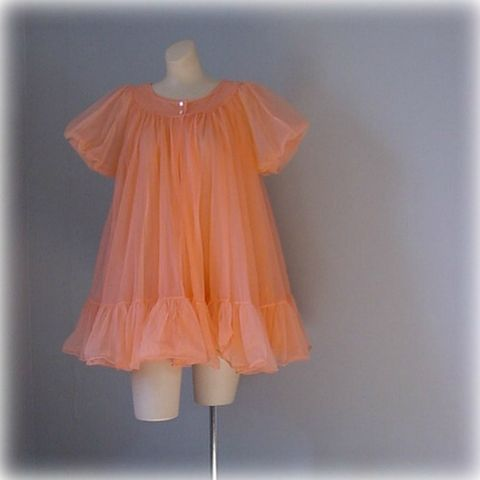 60s,Peach,Parfait,Texsheen,Babydoll,Peignoir,Set,Medium,vintage,clothing,lingerie,texsheen,peignoir_set,chiffon,peach,full,ruffle,1960s,babydoll,honeymoon,vfg_member_team,nylon,plastic, prettysweetvintage, sweetiepievintage, sweetie pie vintage, pleasurequeen