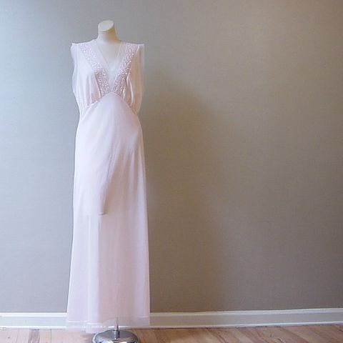 50s,Sheer,Pink,Van,Raalte,Long,Gown,M/L,Vintage,Clothing,Lingerie,nightgown,gown,Van_Raalte,Myth,sheer,pink,tulle,embroidery,large,1950s,romantic,vfg,nylon, pretty sweet vintage, sweetiepievintage, sweetie pie vintage, pleasurequeen