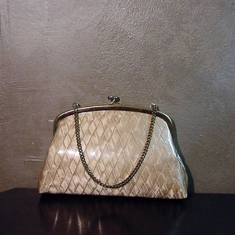 50s,Sweet,Marie,Handbag,1950s, 50s, vintage, purse, bag, handbag, gold, plastic, vinyl, satin, peach, basket weave, chain, prettysweetvintage, sweetiepievintage, sweetie pie vintage