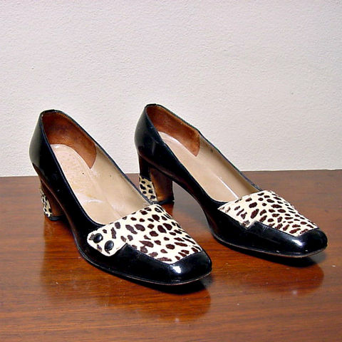 60s,Leopard,&,Patent,Leather,Pumps,8.5,1960s, 60s, vintage, retro, shoes, pumps, leopard, pony hair, patent leather, leather, mod, chic, Mad Men