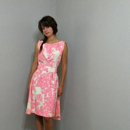 60s Pink Floral Dress with Train 36b/26w - Pretty Sweet Vintage