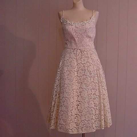 60s,Silver,Lace,Sparkle,Party,Dress,35b/26w, 1960s, 1950s, 50s, vintage, retro, lace, silver, metallic, full skirt, crinoline, rhinestones, appliques, party, prom, dance, dress, prettysweetvintage, sweetiepievintage, sweetie pie vintage