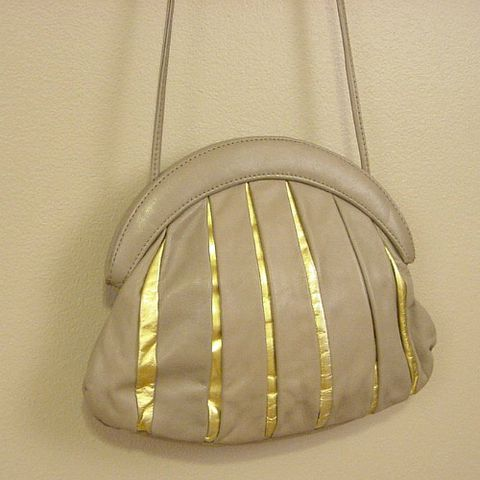 70s,80s,Golden,Rays,Purse,1970s, 70s, 1980s, 80s, vintage, handbag, bag, purse, cross body, across body, leather, taupe, gold, korea, career, crescent, prettysweetvintage, sweetiepievintage, sweetie pie vintage