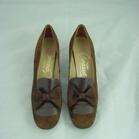 70s,Brown,Suede,Caressa,Bow,High,Heel,Pumps,Shoes,8/8.5,1970s, 70s, vintage, brown, suede, bows, leather, caressa, low heel, 8, 8 1/2, career, shoes, pumps, high heels, prettysweetvintage, sweetiepievintage, sweetie pie vintage