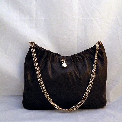 70s,Happy,Day,Purse,1970s, 70s, vintage, handbag, purse, bag, strap, gold chain, leather, dark chocolate, chocolate, ruched, charms, Ande, prettysweetvintage, sweetiepievintage, sweetie pie vintage