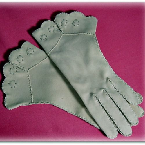 Vintage Embroidered Cuffed Gloves - product image
