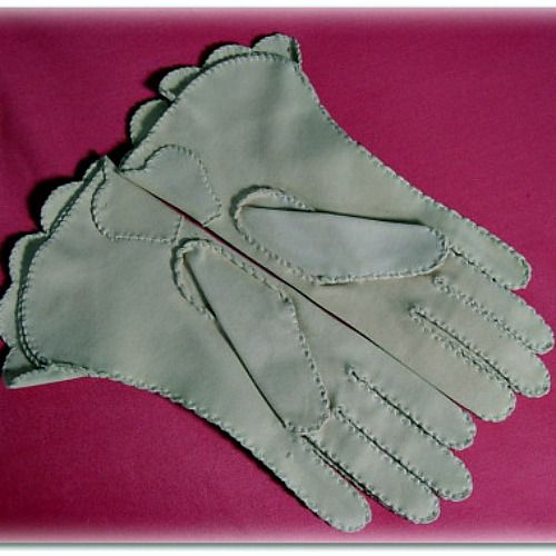 SALE! Vintage Embroidered Cuffed Gloves - product image