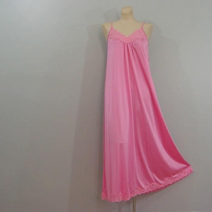 70s Bubblegum Pink Flowing Gown Medium - Pretty Sweet Vintage