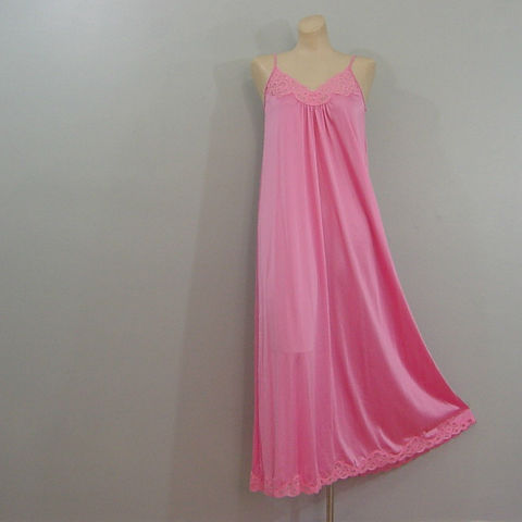 70s,Bubblegum,Pink,Flowing,Gown,Small,1970s, 70s, vintage, retro, gown, nightgown, Shadowline, pink, lace, flowing, sweeping, nylon, soft, romantic