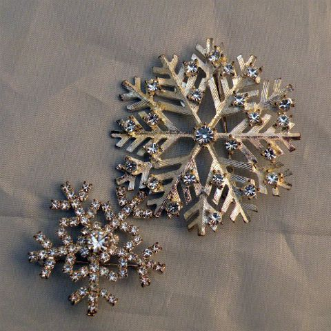 Let,it,Snow!,Eisenberg,Pins,contemporary, Eisenberg, Ice, rhinestone, snowflake, silver-tone, pin, brooch, winter, Christmas, holiday, gift, prettysweetvintage, sweetie pie vintage, sweetiepievintage