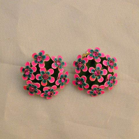 60s,Pretty,Posies,Earrings,vintage, 1960s, 60s, 1950s, 50s, earrings, clip back, flowers, flower, metal, rhinestones, pink, green, sweetiepievintage, sweetie pie vintage, prettysweetvintage, enamel