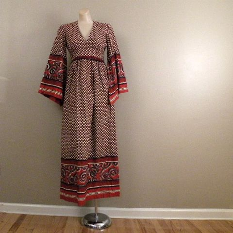 60s,Bohemian,Rhapsody,Dashiki,Maxi,Dress,Small,1960s, 60s, hippie, bohemian, Burg'NDye, maxi, dress, vintage, cotton, dashiki, tunic, batik, bell sleeves, empire waist, earth tones, gypsy, prettysweetvintage, pretty sweet vintage, sweetiepievintage, sweetie pie vintage