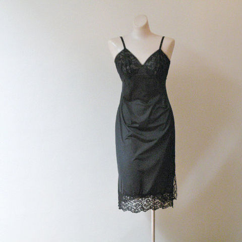 60s,Tulle,and,Lace,Vanity,Fair,Full,Slip,34,Bust,Small,1960s, 60s, vintage, lingerie, slip, full slip, black, lacy, tulle, sexy, gift, pleasurequeen, sweetiepievintage, sweetie pie vintage, romantic, Vanity Fair
