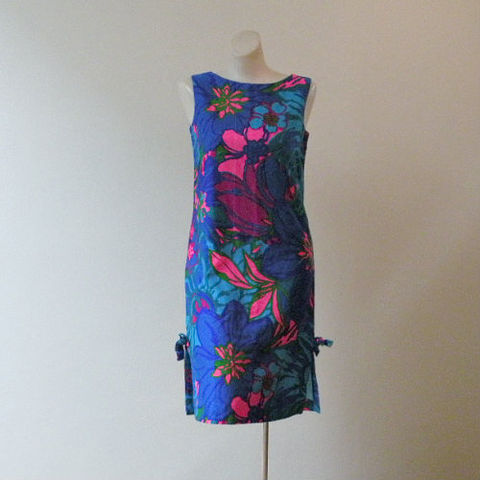 60s,Island,Girl,Summer,Dress,34b/33w,Small,1960s, 60s, vintage, dress, short, Hawaiian, Hawaii, Andrade, Resort Shops, Waikiki, summer, luau, tiki, beach, psychedelic, tropical, floral, sheath, sweetiepievintage, sweetie pie vintage
