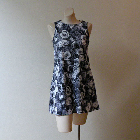 90s,Bunch,of,Roses,Tent,Dress,35b,Small,1990s, 90s, vintage, dress, Street Code, mini, roses, photo, floral, Made in U.S.A., tent, sweetiepievintage, sweetie pie vintage
