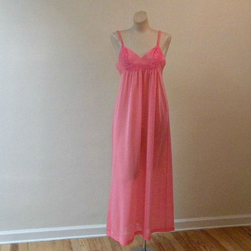70s Sweet Blush Henson K Nightgown - product image  