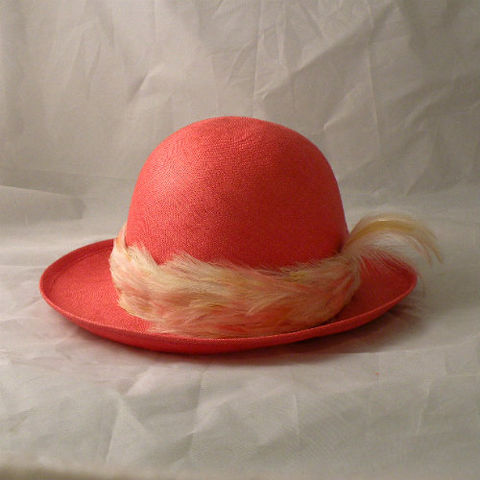 70s,Feathered,Coral,Linen,Hat,1970s, 70s, vintage, Mr. John, Classic, hat, chapeau, linen, feathers, classic, classy, coral, cream