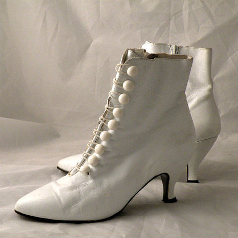 80s,Wild,Pair,White,Lace-Up,Booties,6.5,1980s, 80s, vintage, shoes, high heels, louis heels, Wild Pair, granny boots, boots, booties, Madonna, Molly Ringwald, Pretty in Pink, Like a Virgin, white, buttons