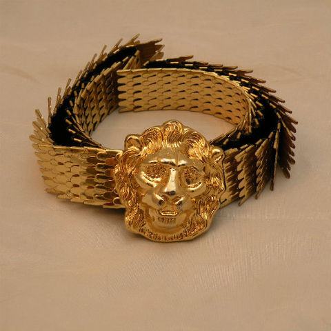 90s,Golden,Lion,Chain,Belt,Small,to,Large,1990, 90s, 1980s, 80s, vintage, belt, accessory, jewelry, jewellery, gold, gold-tone, metallic, lion, lion's head, scales, stretch