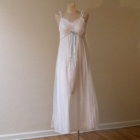 60s,Sweet,Angel,Miss,Elaine,Nightgown,1960s, 60s, vintage, lingerie, gown, nightgown, chiffon, lace, ribbon, Miss Elaine, Gold Label, white, baby blue, romantic, honeymoon