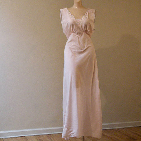 40s,50s,Bubbles,on,Pink,Long,Gown,44b,Large,1940s, 40s, 1950s, 50s, vintage, lingerie, gown, nightgown, nylon, pink, blue, romantic, sheer, embroidery, bubbles, flowers, scalloped, godet, large