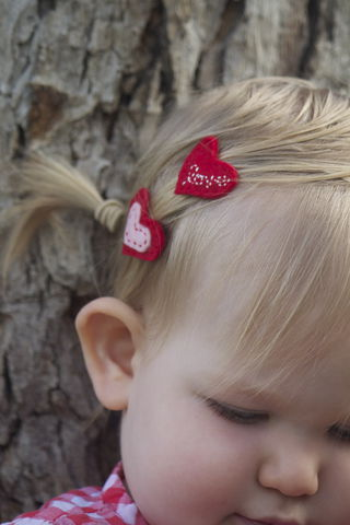 Valentine's,Day,Heart,Felt,Hair,Clips,-,Set,of,2,Valentines_day,heart,felt,clippies,tiny hair clip, for girls, hair_clip,red,pink,love,for_her,children,romance