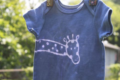 Tip,Top,the,giraffe,-,Blue,hand,dyed,original,design,front,and,back,Children,Clothing,onesie,hand_dyed,dye_resist,baby_gifts,baby_shower,baby_christmas_gift,safari,animals,lion,navy,bodysuit,under_20,cotton,procion_mx_dye