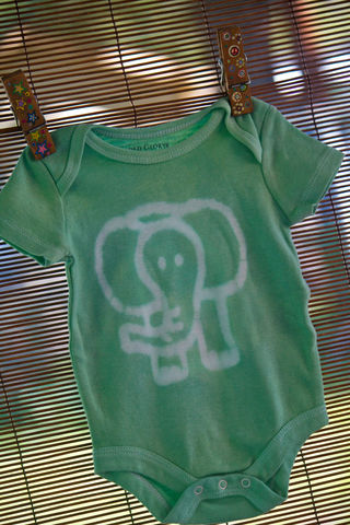 Tupelo,the,elephant,-,hand,dyed,onesie,original,design,front,&,back,Children,Clothing,elephants,hand_dyed,dye_resist,baby_gifts,green,baby_shower,baby_christmas_gift,safari,animals,giraffes,lion,under_20,cotton,procion_mx_dye