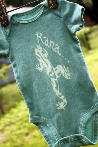 Rana/Frog,-,hand,dyed,onesie,original,design,Children,Clothing,frog,ranita,dart frog,hand_dyed,dye_resist,baby_gifts,baby_shower,tropical