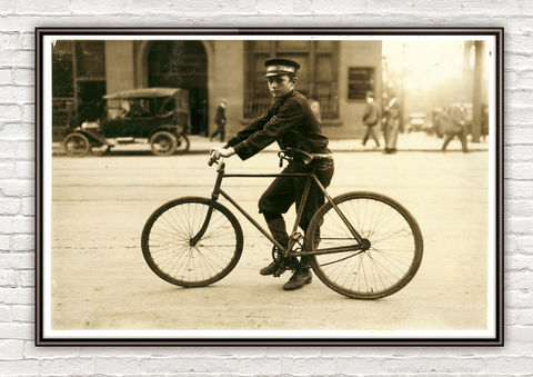 Lewis,Hine,A,typical,bike,messenger,,Birmingham,,Alabama,,1914,bike messenger, Birmingham, Alabama, vintage photo, lewis hone, photographer, boy, north carolina, antique photo