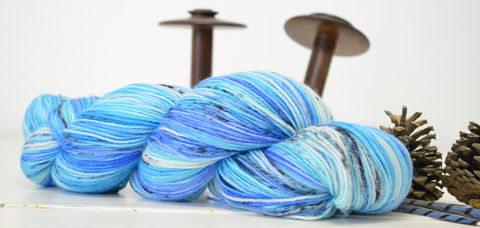 Blue,Budgie,yarn, hand dyed, wool