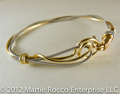 Guitar,String,bangle,with,gold,plated,wire,,hook,clasp.