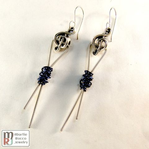 Navy,blue,wire,wrapped,guitar,string,earrings,,ribbon,design,,pewter,treble,bead,Navy blue wire wrapped guitar string earrings, ribbon design, pewter treble bead
