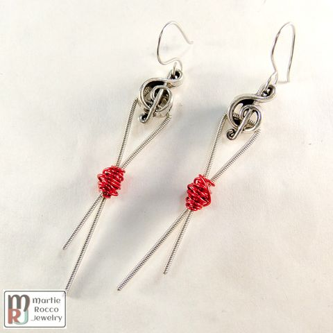 Red,wire,wrapped,guitar,string,earrings,,ribbon,design,,pewter,treble,bead
