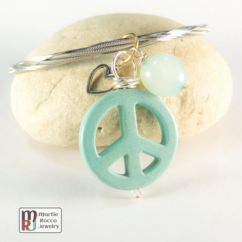 Guitar,String,Bangle,with,light,Turquoise,color,Peace,charm,guitar string jewelry, guitar string bangle, peace, heart, charm, turquoise