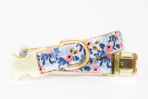 Les,Fleurs,Rosa,Flora,Dog,Collar,in,Periwinkle,gold dog collar, periwinkle dog collar, blue and gold dog collar, metallic gold, rifle paper co, rifle paper dog collar, peach dog collar