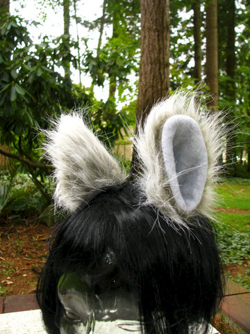 Animal,Clip,On,Ears,-,Faux,Fur,Costume,Cosplay,Hair,Clips,Clothing,clip_on_ears,cosplay_ears,furry_hair_clips,furry_ears,fluffy_ears,animal_ears,Halloween_costume,gray_grey_ears,wolf_ears,monster_costume,goth,kawaii,costume_ears